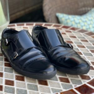 Louis Vuitton Black Leather twin buckle loafers